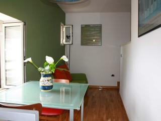 Spagnoli Apartment Sleeps 3 with Air Con and WiFi - 5628476