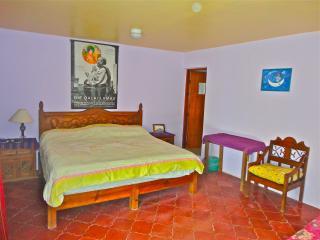 Junior Suite king & single Beds plus Big bathroom, San Cristóbal de las Casas