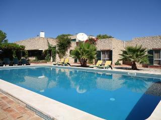 Elegant and Luxurious Villa in Silves