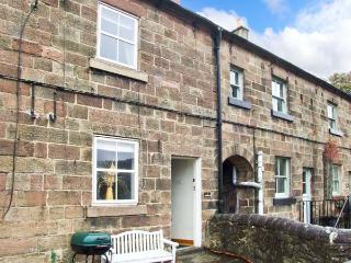 MOUNT PLEASANT, fantastic base, far-reaching views, end-terrace cottage near