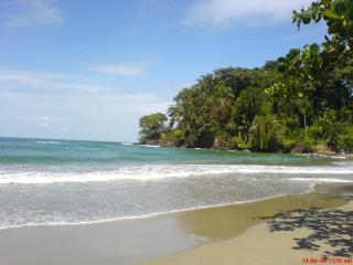 Cozy Villa steps from Beach - Coralina