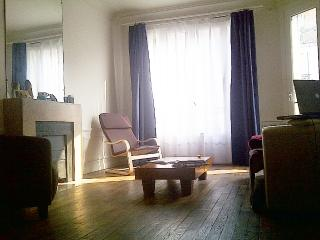 Nice appartment between Paris, Clichy & Levallois