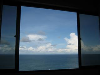 Top-floor penthouse with ocean views, free wi-fi, Recife