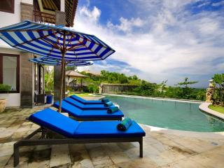 Villa Bali Blue- Stunning Pool & Amazing Views, Jimbaran