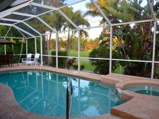 Stunning Golf Course Views/ Lely  Pool Home 3/2 plus den/office, Napoli