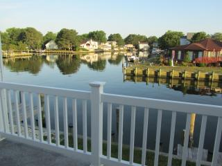 Canal front 5 bdrm retreat close to pools & OCMD beaches TV's throughout