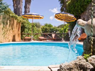 Perfect location: 70 meters by the sea, Ischia