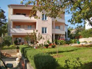 10056-Apartment Krk, Baska