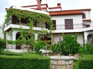 1542-Apartment Rab, Palit