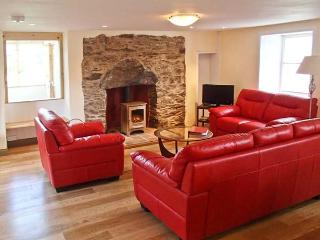 WADE HOUSE, woodburner, Grade II listed, fully renovated, pet-friendly, near Aberfeldy, Ref 21597