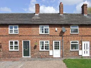 MILL WHEEL COTTAGE, woodburner, courtyard, touring base, Hartshorne Ref 23982