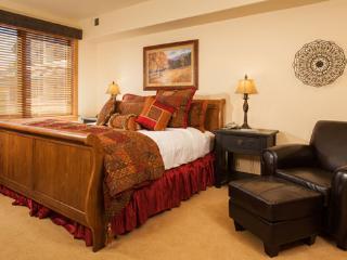 Aspen Lodge Master Bedroom - 4207