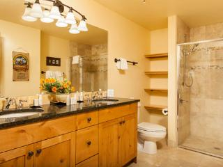 Aspen Lodge Bathroom - 4207