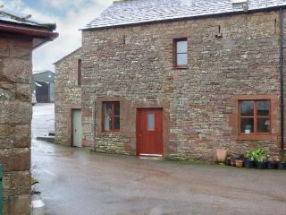 BARN END, barn conversion, with woodburning stove and roll-top bath, close to