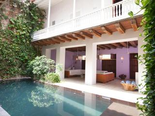 5 Bedroom Mansion with Swimming Pool in the Old Town, Cartagena