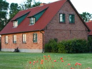 Vacation Home in Ummanz - 861 sqft, idyllic, quiet, comfortable (# 3792), Stralsund