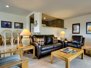 Ski in and out of this condo with pool and hot tub access - walk to lifts!, Sun Valley