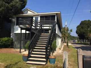 Pawleys Perfect Rental, Gardenia, Steps to Beach.