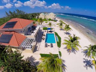 Luxury Beachfront Villa w/ Pool 4BR In Harmony, Bodden Town