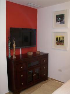 second bedroom tv/dvd