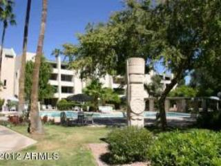 Down Town Scottsdale Walk to Everything Furnished