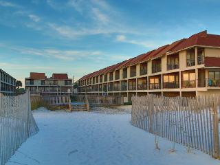 Gulfside TownHomes 30 ~ Great Gulf View ~ Renovated bathrooms ~ FREE Wifi ~ 2 Ba