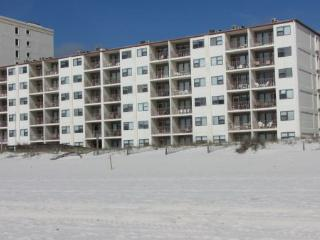 sland Shores 556 - Economy Gulf Front - FREE Wifi - by Gulfsands Rentals