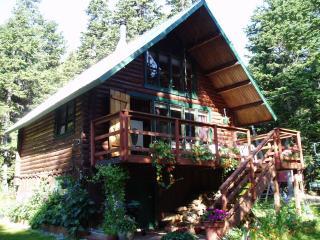 """Alyeska Hideaway Vacation Rentals - """"Alyeska Cabin"""""""