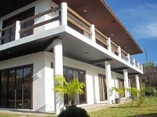 Island studio near Beach- Panglao Palms Apartelle