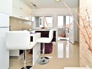 Apartments Lukin-Zadar