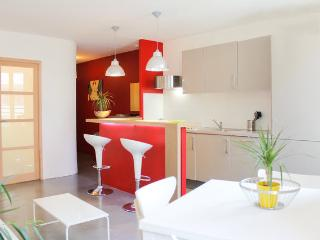 Double apartment in Marseille / Metro Parking