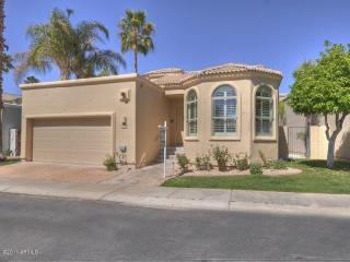 Scottsdale Furnished home on Golf Course & Lake