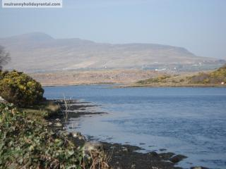 Sea view on Greenway trail, beach opposite, historical area, adj. gym and pool, Mulranny