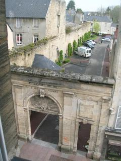 18th-cent. arch & 11th-cent wall & (paid) parking across the street