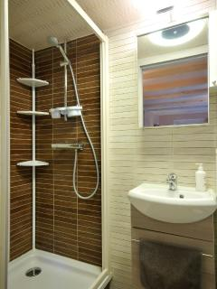 The Morells - bathroom 2