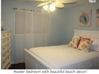 Hilton Head Condo - Walking Distance to the Beach