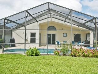 Beautiful Disney Home with Private Pool and Wifi, Davenport