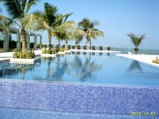 Oceanfront Condo Near Walled City In Cartagena