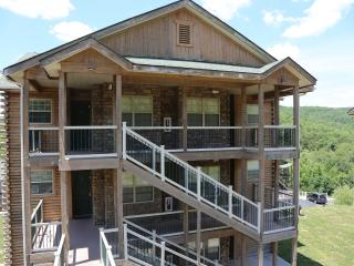 Branson Vacation Rental | Eagles Nest | Indian Point | Silver Dollar City | Top