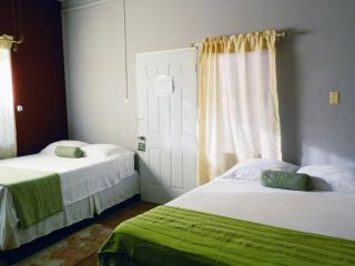 Budget Travel Belize, Bella Sombra Guest House: $65USD 2 people+ Free Internet, Studio 3,