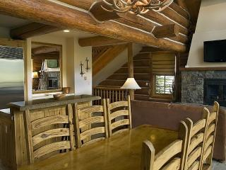 Luxury 4 bedroom Log Cabin, Telluride