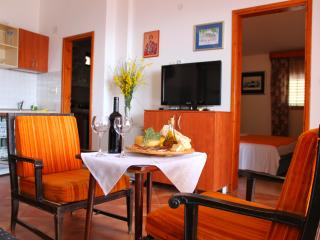 NR -Comfort Two-Bedroom Apartment with Sea View,for 6 persons,85 m2