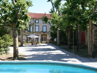 Charming bed and breakfast,  Domaine des Agnelles, Languedoc-Roussillon