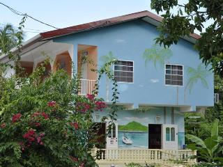 Fish Tobago Guesthouse - Nylon Pool apartment, Buccoo