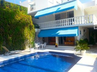 Amazing House Pool, Garden, Walk Everywhere!, Acapulco