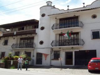 3BD Penthouse, 2Bathrooms, Patio, View, Parking, Taxco