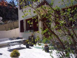 Montsegur,Labyrinth  gite,b&b  Ariege, Midi Pyrenees  for 2-8 per