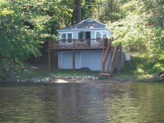 Lakefront Cottage, Rindge