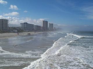 Affordable vacation rental at 'Pirates Cove' condo, Daytona Beach