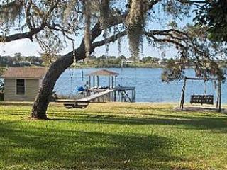 Vacation on Lake Front White Sandy Beach 1/1